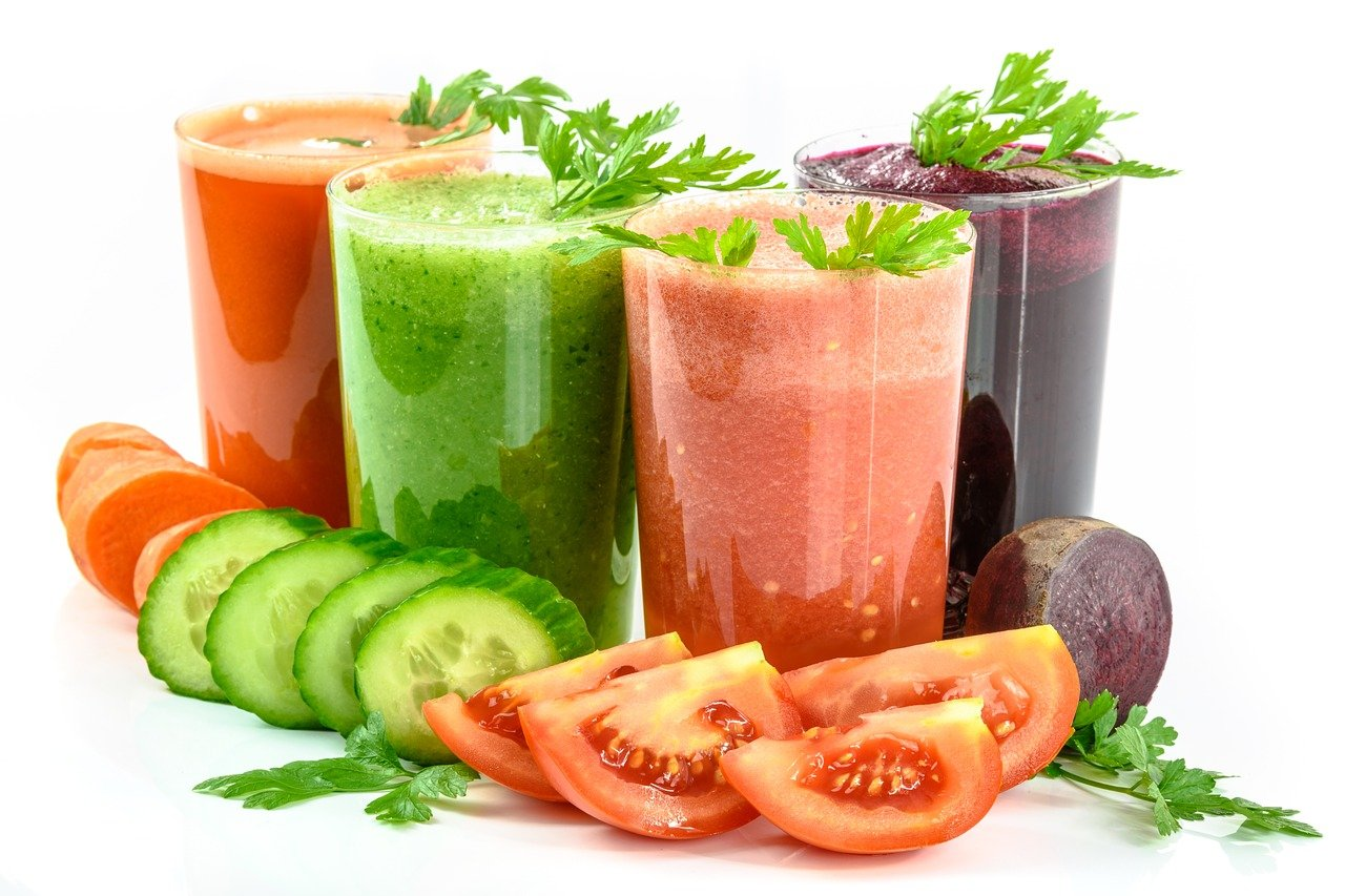 Smoothies with toppings