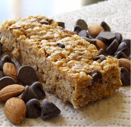 Homemade Granola Bars with Chocolate Chips